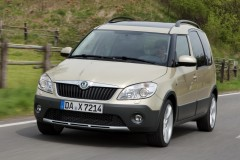 Škoda Roomster Scout 2010