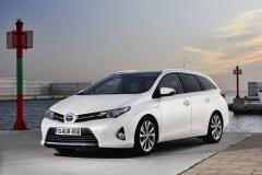 Toyota Auris Touring Sports Hybrid 2013
