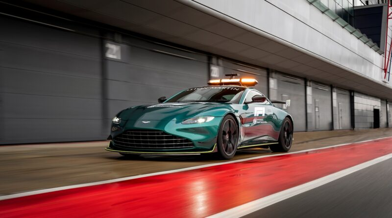 Aston Martin V8 Vantage: Safety car pro Formuli 1